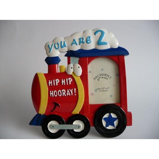 3D Fotolijst Locomotief Hip Hip Hooray / Hiep Hiep Hoera - 2 jaar